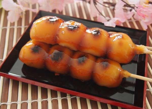 Novità del mese: Mitarashi dango, dessert tradizionale giapponese