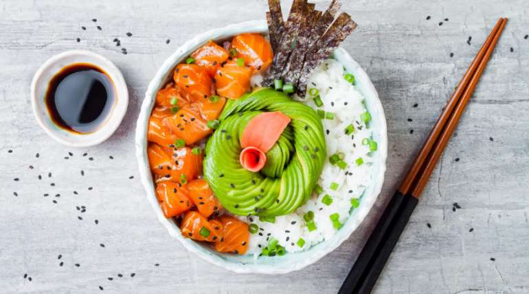 Il pokè hawaiano è il piatto del momento