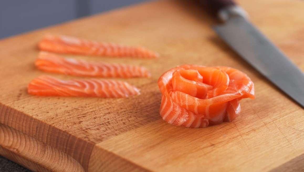 Salmone crudo: buono e dietetico
